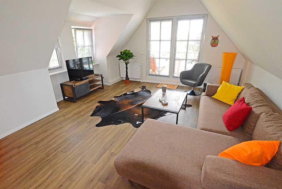 DG-rechts-Wohnzimmer_920